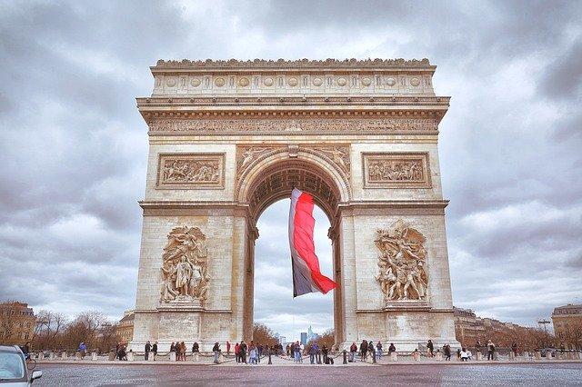paris seværdigheder triumfbuen