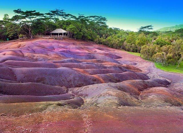seven coloured earths