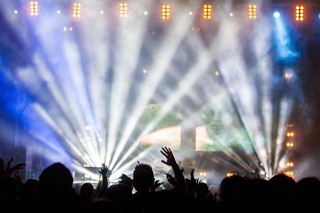 Skal du til koncert i Royal Arena? Her kan du overnatte nemt og prisvenligt.