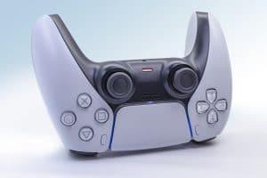 PS5 controller på hovedet